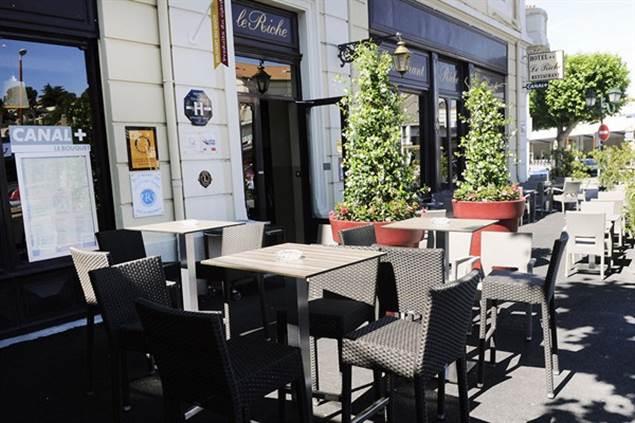 Hotel LE RICHE Terrasse